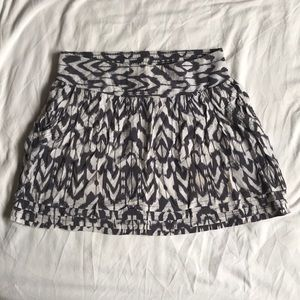 Gray and White Skirt with Pockets